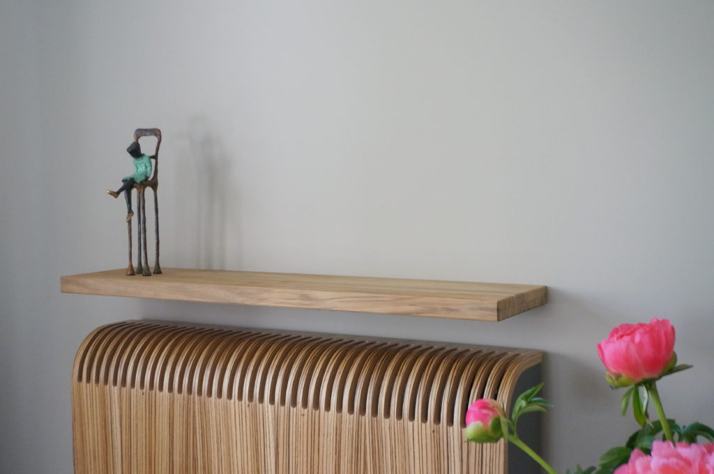 Zwevende Wandplanken Op Maat.Zwevende Plank Steigerhout Trendy De Zwevende Bank Is Nu Bijna Af