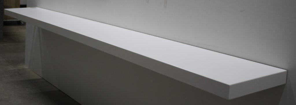 358) MDF wit gespoten met kabeldoorvoer Image